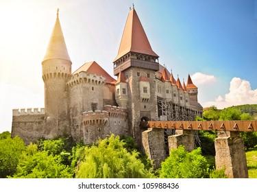 Medieval castle Gothic-Renaissance in Hunedoara (Transylvania) . The Hunyad Castle, Castelul Huniazilor or Castelul Corvinestilor, Vajdahunyad v�¡ra