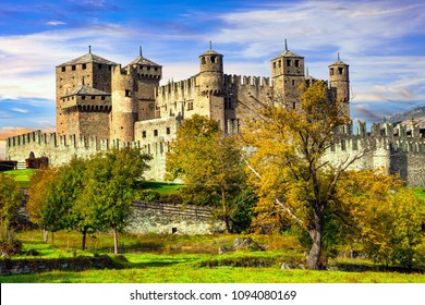 Medieval castles of Italy - Castello di Fenis in Valle d'Aosta