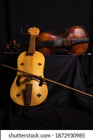 Medieval fiddle and Baroque Violin