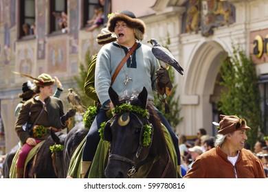 Medieval games during the Landshut Wedding historical pageant, Landshut, Lower Bavaria, Bavaria, Germany, Europe, 13. July 2013