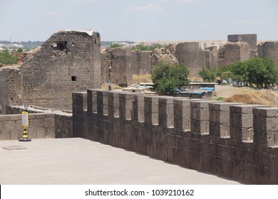 Medieval walls and towers, originally built in 4th century then restored in 11th century  Diyarbakir, Turkey