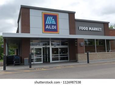 MEDINA, MN - JUNE 3:  Aldi Food Market in Medina, MN, on June 3, 2018.  Aldi has over 10,000 stores around the world.