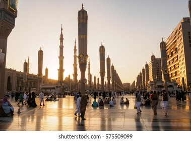 MEDINA, SAUDI ARABIA - FEB 9: A sunset view at Nabawi Mosque compound on February 9, 2017 in Medina, Kingdom of Saudi Arabia. Nabawi mosque is the second holiest mosque in Islam.