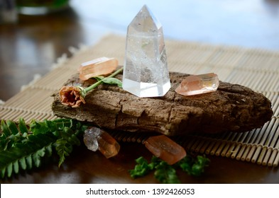 Meditation Grid Kit. Quartz Tower, Natural Tangerine Quartz Points. Healing Crystal Bundle Alter Kit, Wiccan Witchcraft, Crystal Healing Decor. Clear Quartz Tower  points, bright color New Age stones.