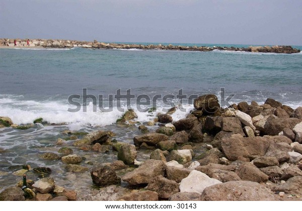 The Mediterranean sea meets the Antibes' bay