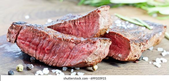 mittelgegrilltes Steak