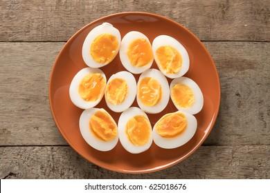 Medium-boiled egg, Top view.