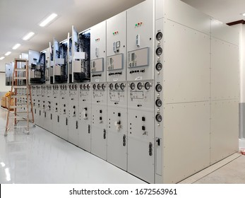 Medium-Voltage Gas-Insulated Switchgear (GIS): Installation, Test and Inspection.