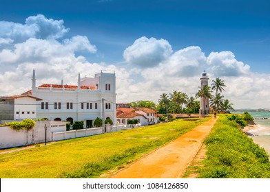 Meeran Jumma Mosque and the lighthouse at the Point Utrecht Bastion in the old Dutch Fort, Galle, Southern Province, Sri Lanka.