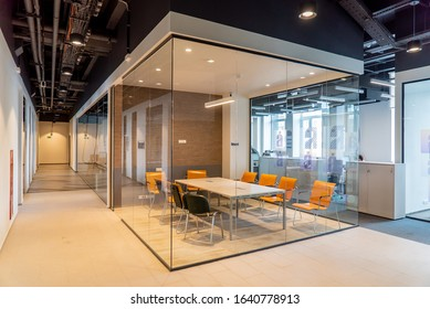meeting room for employees with a glass partition in the interior of a modern office building LOS ANGELES, CALIFORNIA, 20/01/2020