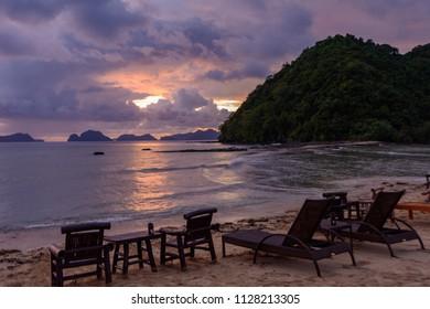 Meeting the sunset on the Las Cabanas beach - El Nido Palawan, Philippines
