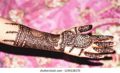 Mehndi (hena) art and design