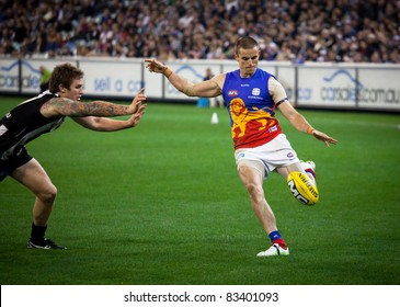 MELBOURNE - AUGUST 20 : Action from Collingwood's  win over Brisbane - August 20, 2011 in Melbourne, Australia.