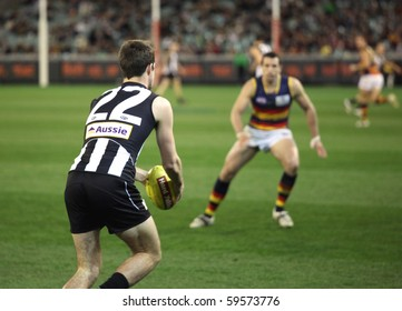 MELBOURNE - AUGUST 21:  Collingwood's Steele Sidebottom in action during Collingwood's win over Adelaide - August 21, 2010 in Melbourne, Australia