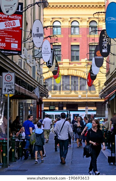 MELBOURNE, AUS - APR 13 2014:Traffic on Degraves Street, one of Melbourne's finest Laneway environments. Full of bars,restaurants, cafe and boutique shopping.