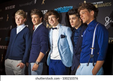 MELBOURNE, AUSTRALIA - APRIL 15: Niall Horan, Liam Payne, Harry Styles, Zayn Malik & Louis Tomlinson of One Direction arrive at the 2012 Logie Awards, Crown Casino, April 15, 2012 Melbourne, Australia