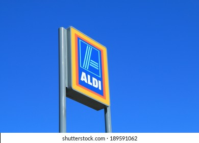 MELBOURNE AUSTRALIA - APRIL 25, 2014 : ALDI Supermarket. ALDI is a global discount supermarket chain based in Germany.