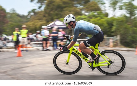 "MELBOURNE, AUSTRALIA - FEB 6, 2019. The Hawthorn Cycling Club organize weekly a race on the Yarra Blvd. Kew circuit (known as ""Teardrop"") open for amateur cyclists. Photo shows a moment of the race."