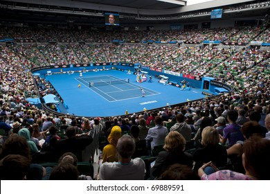 MELBOURNE, AUSTRALIA - JANUARY 26: Andy Murray(GBR)[5] and Alexandr Dolgopolov(UKR) on centre court at the Australian Open on January 26, 2011 in Melbourne, Australia