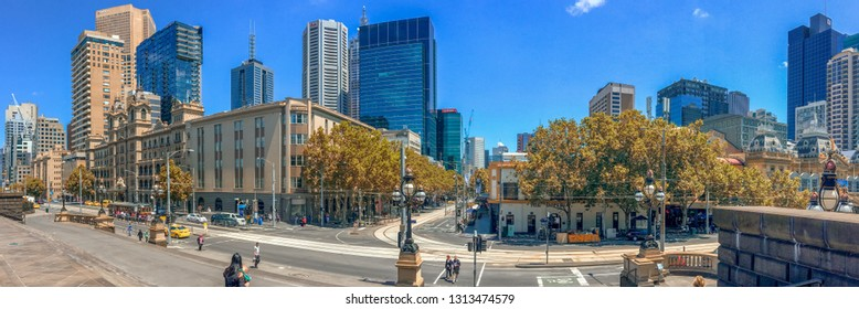 MELBOURNE, AUSTRALIA - NOVEMBER 20, 2015: Panoramic view of city skyline. Melbourne is the main city in Victoria state.