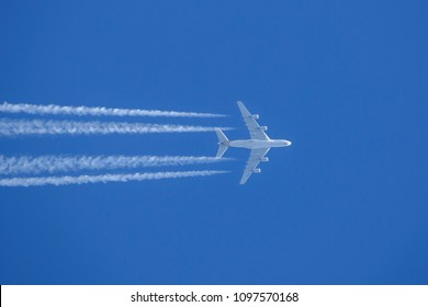 Melbourne, Australia - November 8, 2014: Singapore Airlines Airbus A380-841 airliner 9V-SKB flying at high altitude leaving a long contrail across the sky.