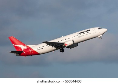 Melbourne, Australia - September 24, 2011: Qantas Boeing 737-476 VH-TJK departing Melbourne International Airport.