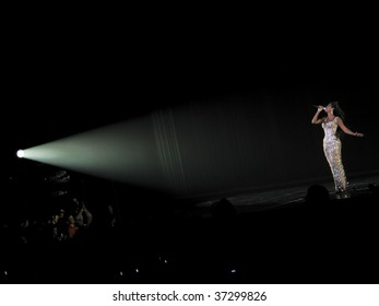 """MELBOURNE - SEPTEMBER 15 - Beyonce performs to a packed Rod Laver Arena in the first Australian show of her 2009 """"I Am..."""" tour on September 15, 2009, in Melbourne, Australia"""