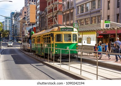 Melbourne vintage city tram service operates in a circular route passing major tourist attraction and linking wuth other public transports in and around Melbourne. Australia:09/04/18