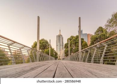 Melbourne from William Barak Bridge/Melbourne Park at dusk