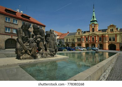 Melnik main square view to townhall over new fountain