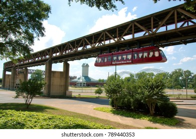Memphis, Tenenssee - 2017: Monorail that connects the city with the Mississippi River Park, located in Mud Island.