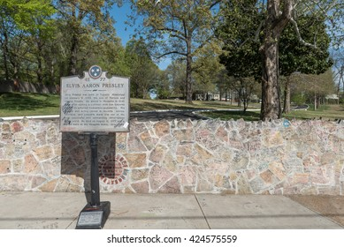 MEMPHIS, TENNESSEE - APRIL 09, 2016: Elvis Presley Mansion Wall in Graceland, Memphis.