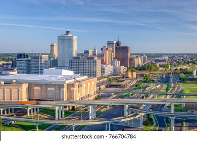 Memphis, Tennessee, USA downtown skyline.