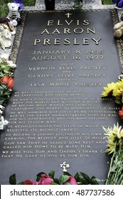 MEMPHIS, TN, USA: OCTOBER 11, 2006: Elvis Presley's grave at Graceland.