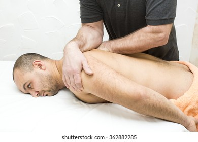 men do manually therapeutic massage