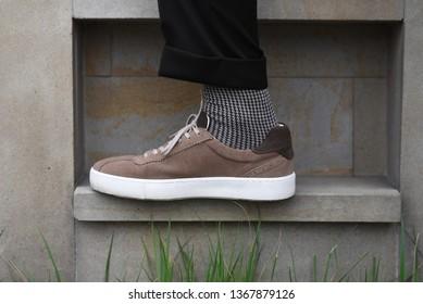 men elegant shoes with greey socks
