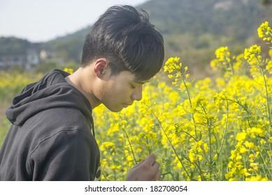 Men feel natural outdoors