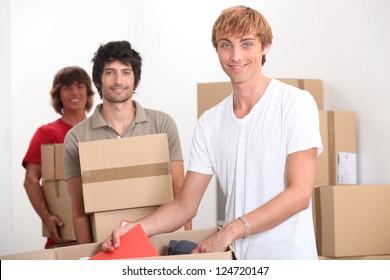 Men moving home