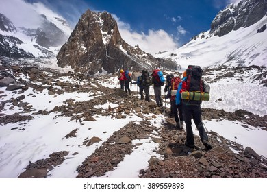 MENDOZA, ARGENTINA - JAN 7: Unidentified climbers on the 360 traverse. This year, 5400 people intend to get the summit. Jan 7, 2016 in Aconcagua Mount, Mendoza, Argentina.