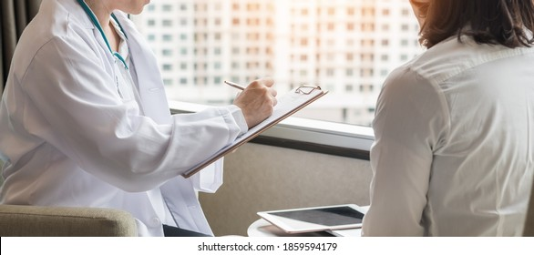 Menopause woman patient risk with ovarian or cervical cancer consulting with doctor who diagnostic examining on obstetric - gynaecological female patient illnes and health in medical clinic