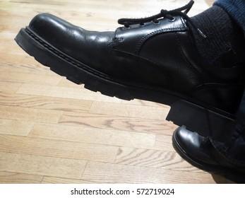 Men's Black Leather Shiny Shoes