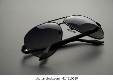 Men's sunglasses with polarized
