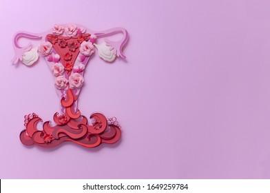 Zeiten. Blutung, Menstruation. Frauenhygiene. Kunstkonzept mit Kopienraum.