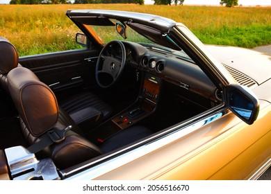 Mercedes Benz R107 380 SL Germany Veterans roadster back side