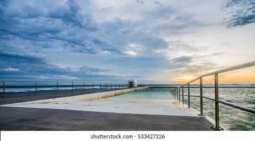 Merewether Baths at dawn