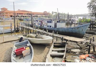 MERSING/MALAYSIA - SEPTEMBER 10 2016: Mersing town and Mersing river in Malaysia