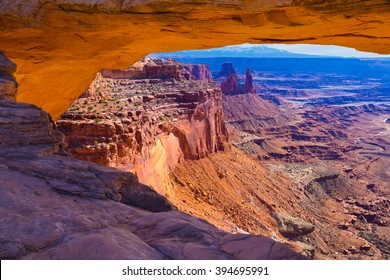 Mesa Arch in Canyonlands National Park in Utah