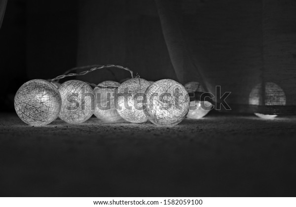 mesh-white-balls-thread-interior-600w-15