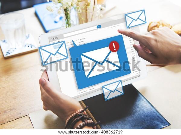 Concepto de mensajes de texto social en línea