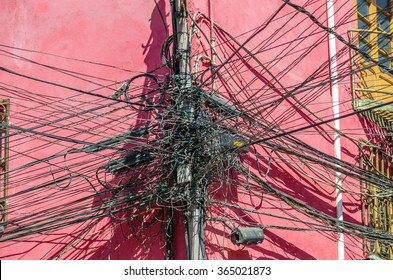Messy power wires on the pole